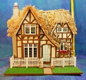 Vintage Artist Dollhouse Dolls House Thatched Tudor Cottage w 4 Rooms, Superb!