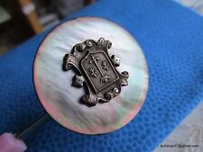 3802 – Scrolled Fleur-de-Lys Crest on MOP-Shell Large Button-Bouton from France