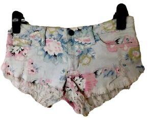 Ladies VON ZIPPER Floral Denim Frayed Stretch Shorts. Size 10. GUC