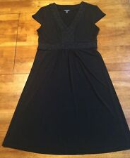 George Women's Knees Length Cap Sleeve V-Neck Dress Size Small 4 - 6 Black EUC
