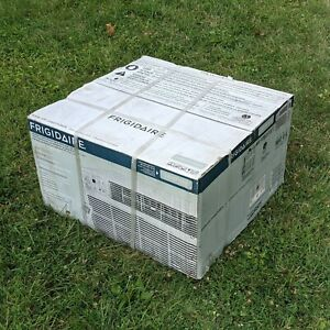 Frigidaire FFTH1222Q2 12,000 BTU Built-In Room Air Conditioner 230V 60hz