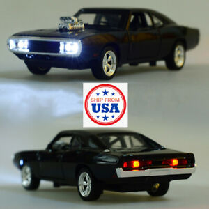 1970 Dodge Charger Diecast Car Toys Action Figure Model 1/32 Scale Collectible