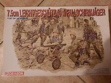 Dragon 1/35 7,5cm Leichtgeschutz 40 W/fallschirmjager.7 figures +2 canons.