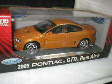 1/18 WELLY 2005 PONTAIC GTO RAM AIR 6 ( MONARO CV8 )  HARD TO FIND MODEL #12565W