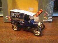 Corgi Classics C865 Ford Model T Van 'Lyons' Tea'