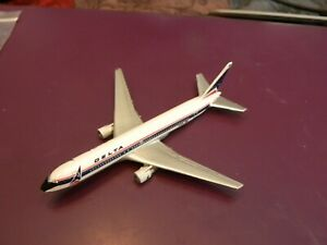 Diecast 1:500 Delta Airliner Boeing 767-300 Schabak Germany with wheels box has