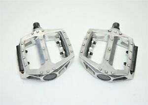 """ALLOY 14 STUDDED FREESTYLE BMX BICYCLE PLATFORM PEDALS 9/16"""" X 20 TPI"""