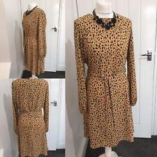 Vestido Estampado Dorothy Perkins Camello BNWT Sz 10 £ 35 Cinturón de Lazo Smart versátil