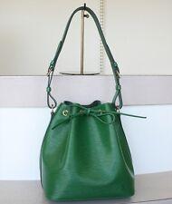 AUTHENTIC LOUIS VUITTON PETIT NOE EPI Green Shoulder bag No.812