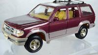 Original Maisto 1:24 Ford Explorer Jeep Rare Diecast and Plastic Model Toy Car