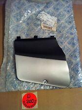 PIAGGIO Battery Cover Verkleidung DIS 62031000A7 NEU OVP Farbe: silber-schwarz