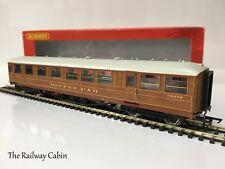 Hornby R4173A OO Gauge Gresley LNER 61ft 6in Buffet Car '32372'