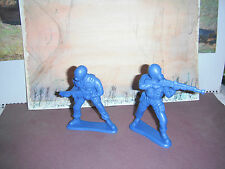 Two Toy Plastic Soldiers * Big Boys * 4  Inches High * L@@k