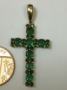 Lovely 9 Carat Yellow Gold EMERALD Set Cross