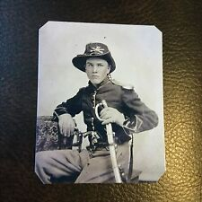 civil war Military  UNION CAVALRY SOLDIER  PISTOLS And SABER tintype C740RP