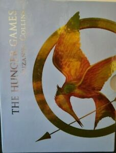 THE HUNGER GAMES TRILOGY - SPECIAL DELUXE BOX SET - HARD TO FIND COLLECTION