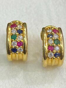 0,80 Cts Runde Brilliant Cut Diamanten Rubin Saphir Huggie Ohrringe In 18K Gold