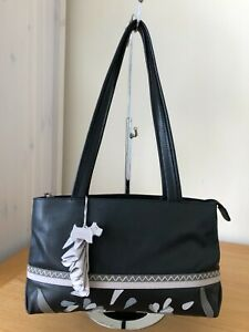 RADLEY BLACK LEATHER SHOULDER HANDBAG DOG TAG EXCELLENT CONDITION CLEAN LININGS