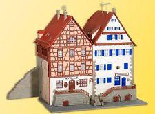 Kibri 37368 Maison à ossature bois à la mur de ville, 2 pièces, KIT MONTAGE, N
