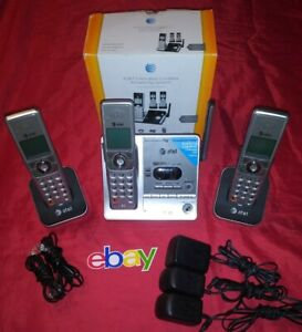 AT&T 3 HANDSET CORDLESS PHONE ANSWERING SYSTEM W CALLER ID CL82315 NEED BATTERY