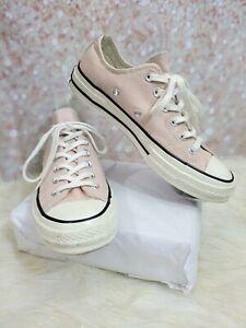 Converse all star chuck taylor UNISEX ~ Womens size 8 Mens Size 6