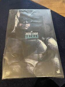 Hot Toys MMS432 Justice League Batman Tactical Batsuit Version DC 1/6