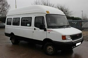 LDV CONVOY MINIBUS WINDSCREEN RUBBER  SOLID SEAL BRAND NEW-MODELS 1984 to 2006