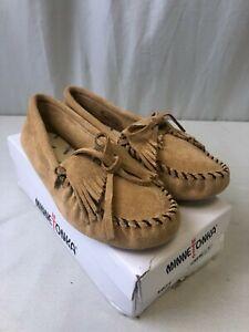 Minnetonka Women's Kilty Softsole Moccasins Taupe Size 8 (2104090324)