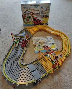 Rare K'NEX Mario Kart Wii Race Track - Mario and Yoshi Finish Line Building Set