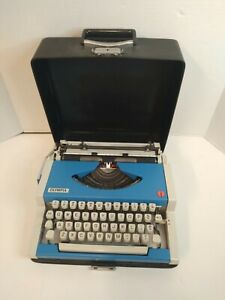 Vintage Olympia Traveler DeLuxe  Typewriter with case Rare Blue Western Germany