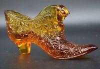 "Fenton American Art Glass Honey Amber Daisy Button Cat Head 6"" Shoe Figurine"