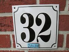 Hausnummer Mega Groß  Emaille Nr 32 schwarze Zahl weißer Hintergrund 20cmx20 cm