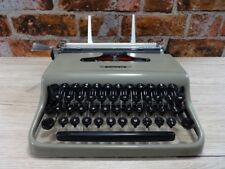 Olivetti Lettera 22 Typewriter fitted with new ribbon Faulty