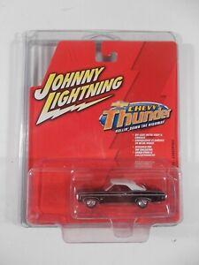 Johnny Lightning 1/64 Chevy Thunder 1969 Chevy Impala SS Convertible