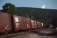 NW NORFOLK & WESTERN Railroad Train Boxcars BINGHAMTON NY Original Photo Slide