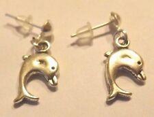 Boucles d'oreilles argentées clous dauphins 17x10