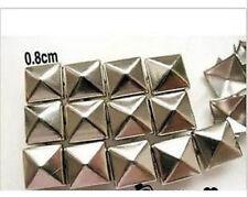 200pz 0,8cm borchie sfuse a piramide argento *pyramid STUDS silver