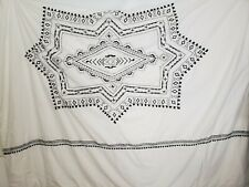 Pottery Barn full/queen duvet : B&W EMBROIDERY Excellent condition.