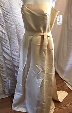 NWT Vera Wang woman dress size 8 assembled in Poland