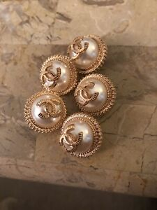 Chanel pearl metal CC buttons set of 5.Size 18mm