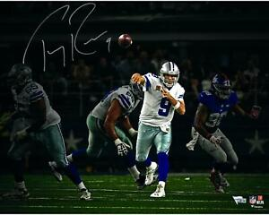 Tony Romo Dallas Cowboys Autographed 16x20 Throwing Photograph - Fanatics