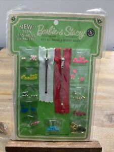 Vintage BARBIE & STACEY STITCH 'N STYLE BUTTONS BUCKLES NRFP! Var RED Zipper