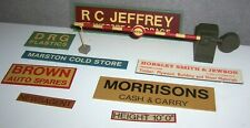 1 Gauge, 1:32 Scale Various Metal Signs and Barrier, Scenic Lineside Accessories