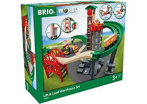 BRIO Set - Lift and Load Warehouse Set, 32pcs