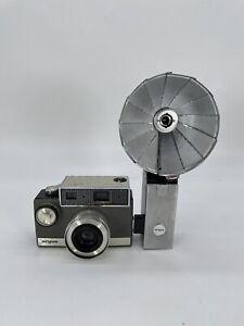 Vintage 1960 ARGUS AUTRONIC 35 35mm Film CAMERA W/ Flash
