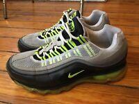Nike Air Max 24-7 Black Gray Volt Men Size 7.5 Black Gray Bolt 397252-002