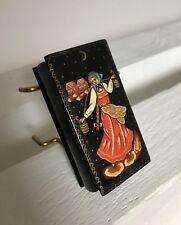 Boite en bois laqué Miniature de PALEKH Russie Art-populaire Porteuse d'eau