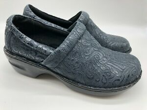 BOC Comfort Clogs Shoes Embossed Pattern Women's Size 11 BC4630 Navy Blue New