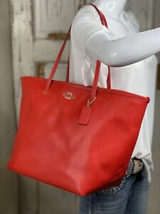 NWT COACH Crossgrain Leather Extra Large Tote Shopper Handbag in Cardinal F34099