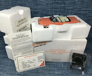 Danbury Mint 1956 Buick Roadmaster Convertible 1:24 Diecast Exc in Box